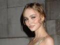 Lily-Rose Depp sexy : sa cambrure de rêve dans une robe moulante et ultra-décolletée (Wow !)
