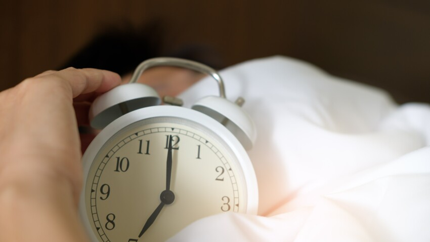 Cette mauvaise habitude avec notre réveil qui nous fatigue davantage