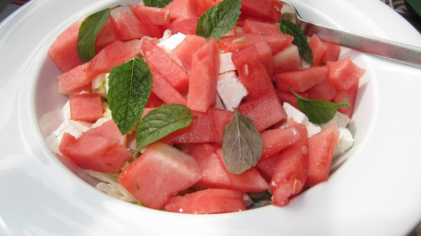 5 recettes faciles de salades de pastèque