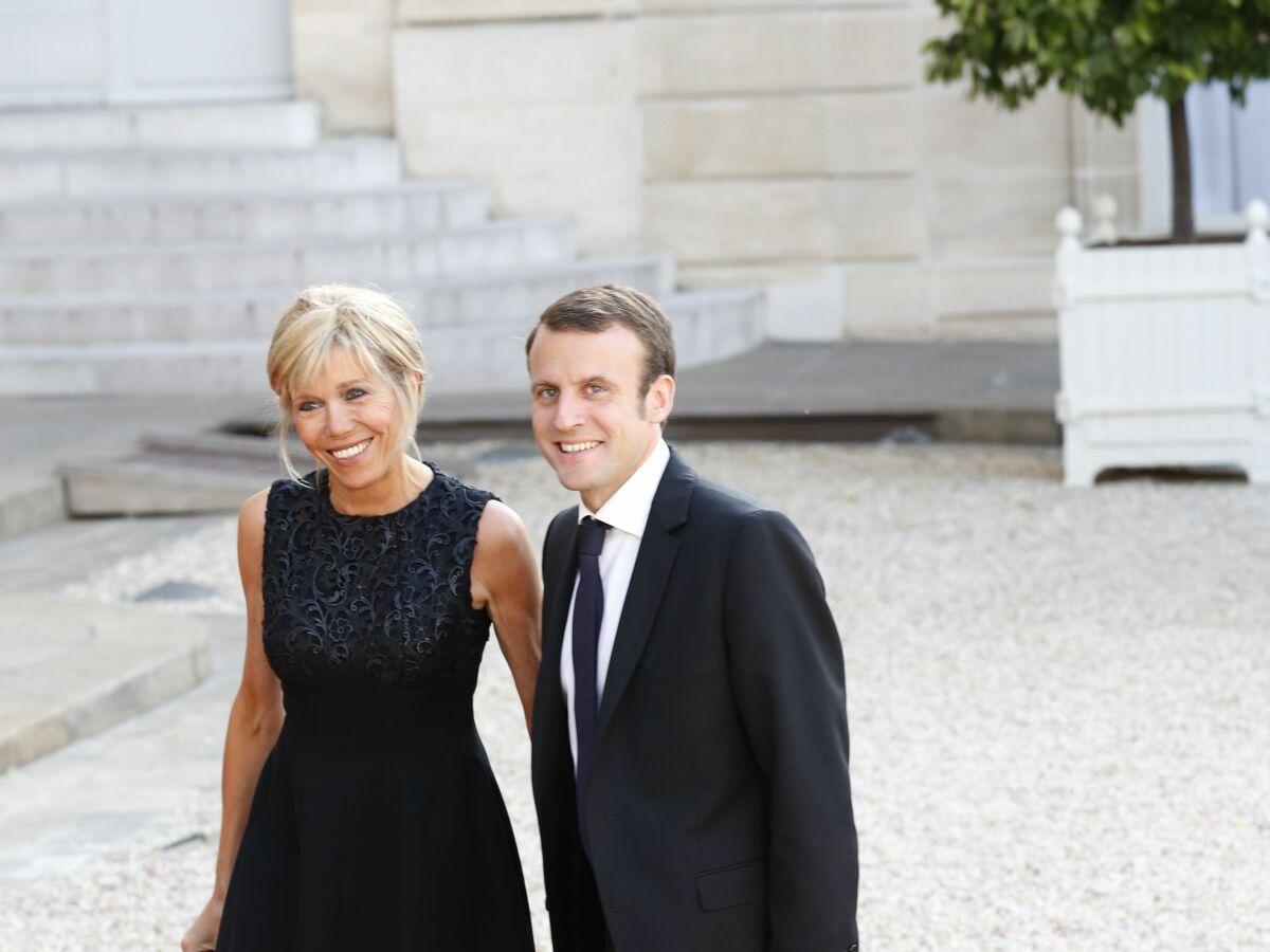 Emmanuel Et Brigitte Macron La Drole D Histoire Derriere Leur Ceremonie De Mariage Femme Actuelle Le Mag