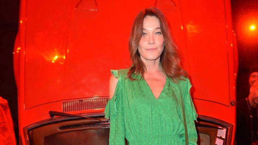 Carla Bruni : pantalon XXL et veste de costume, son look canon qui détonne
