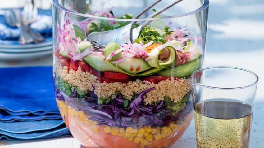 Grande salade multicolore au quinoa