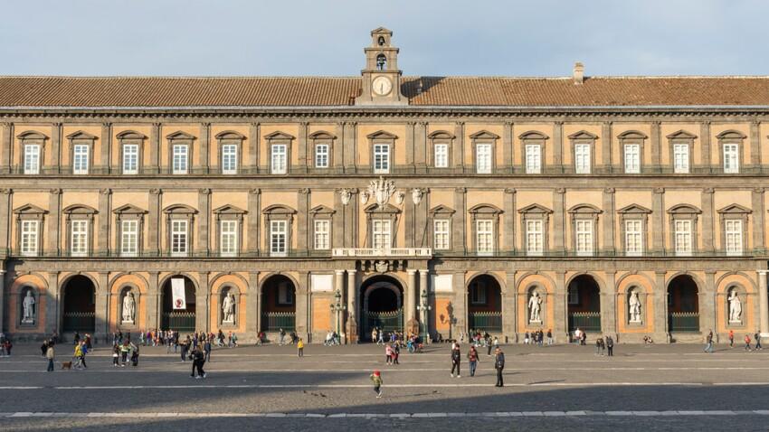 Visiter Naples : notre guide pour découvrir le palais royal