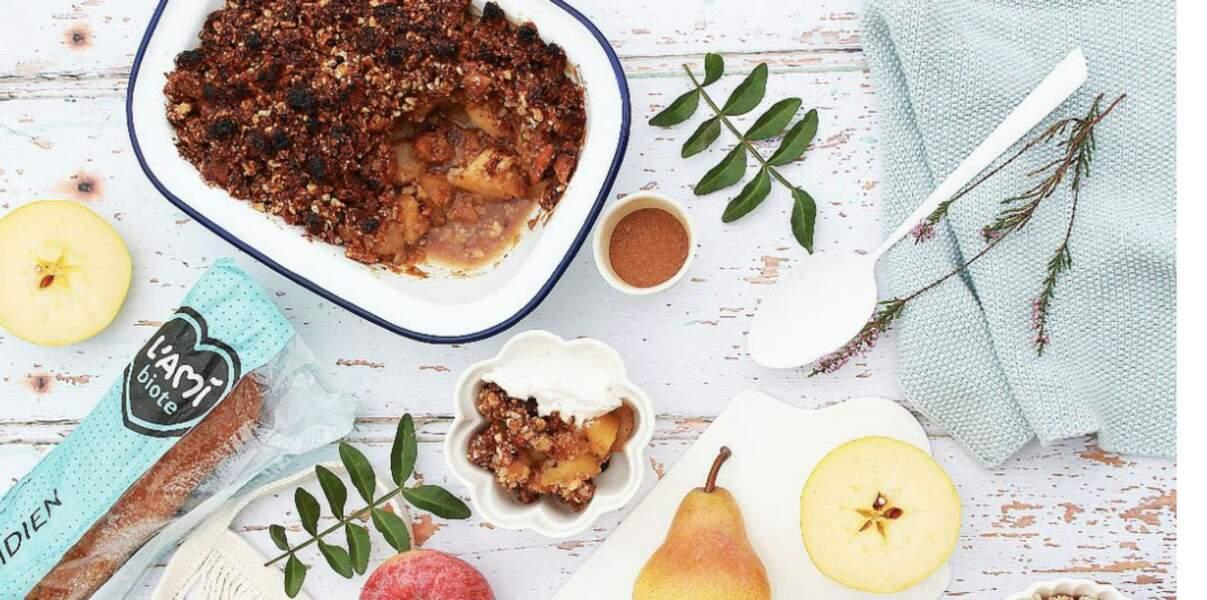 Crumble aux pommes, poires, noisettes et amandes