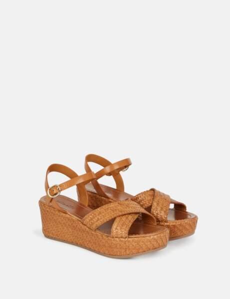 Mode 50 ans et plus : Des sandales compensées