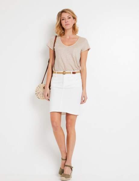 Mode 50 ans et plus : Une jupe en jean blanche