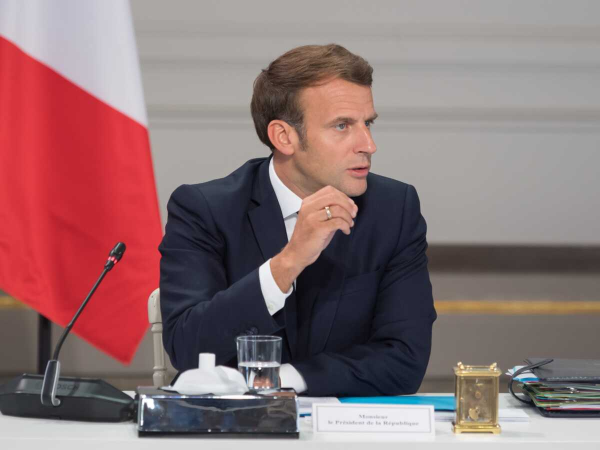 Emmanuel Macron prêt à tout pour repousser les élections régionales : sa phrase choc : Femme Actuelle Le MAG 2