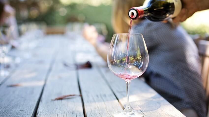 Delirium tremens: ce qu'il faut savoir sur ce syndrome grave causé par le sevrage alcoolique
