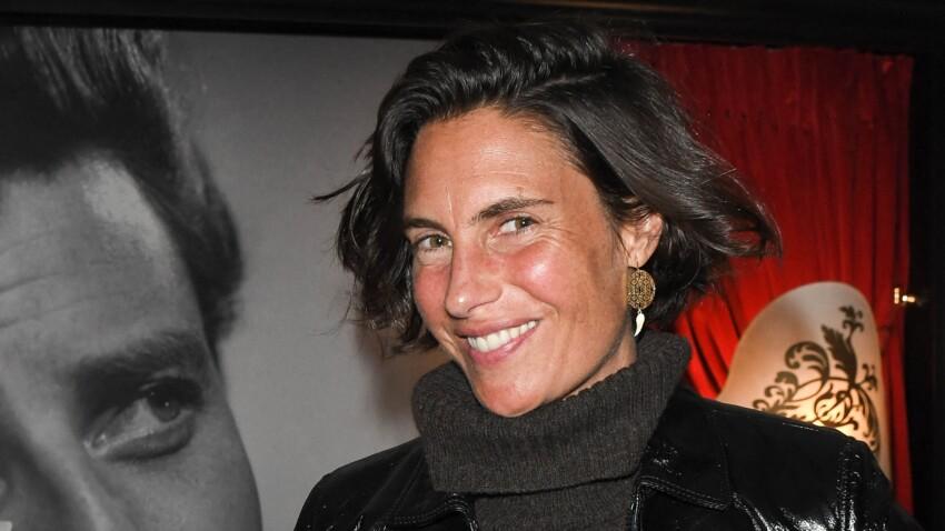 Alessandra Sublet ose le mix cycliste et chaussettes hautes (Oups !)
