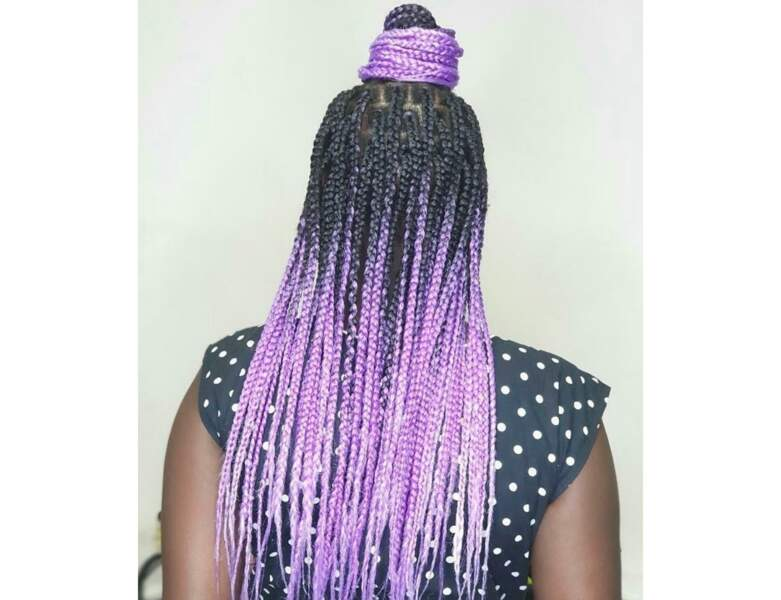 Box braids bicolores avec bun