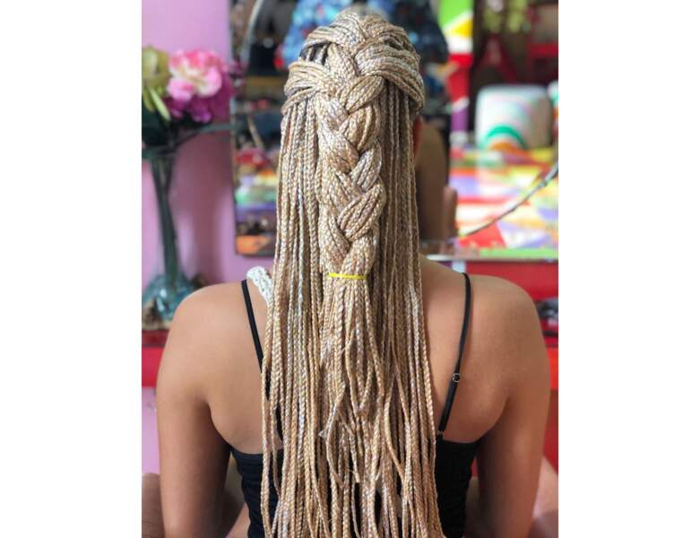 Box braids blondes tressées