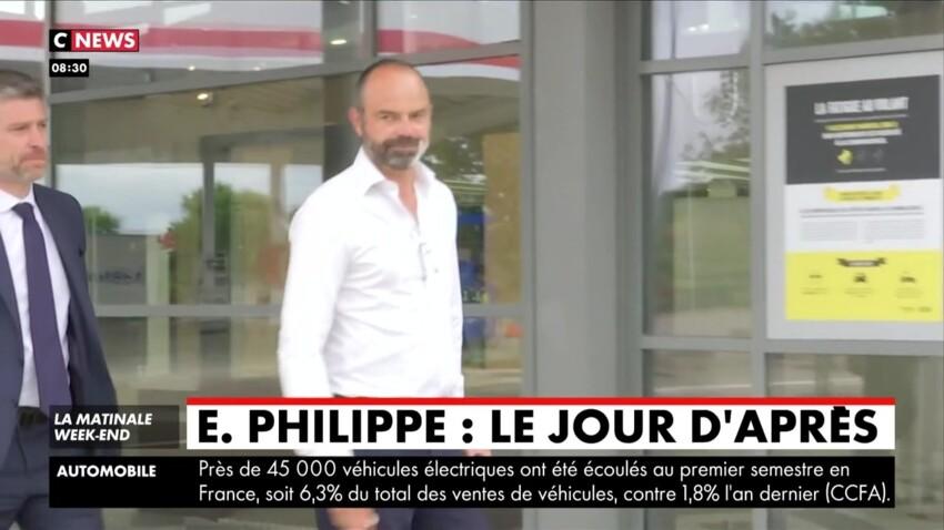 Edouard Philippe, surpris sur une aire d'autoroute, comme un simple vacancier