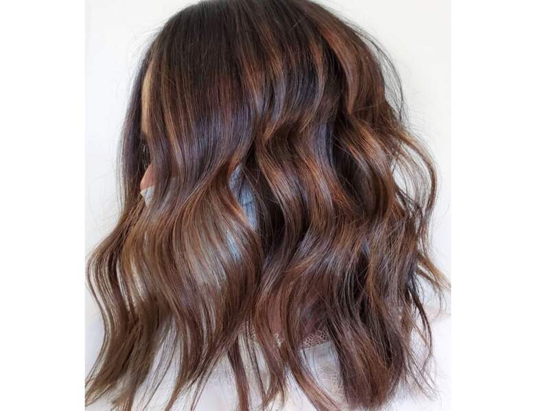 Carré long brun wavy