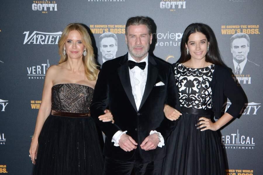 John Travolta entre sa femme Kelly Preston et sa fille Ella Bleu