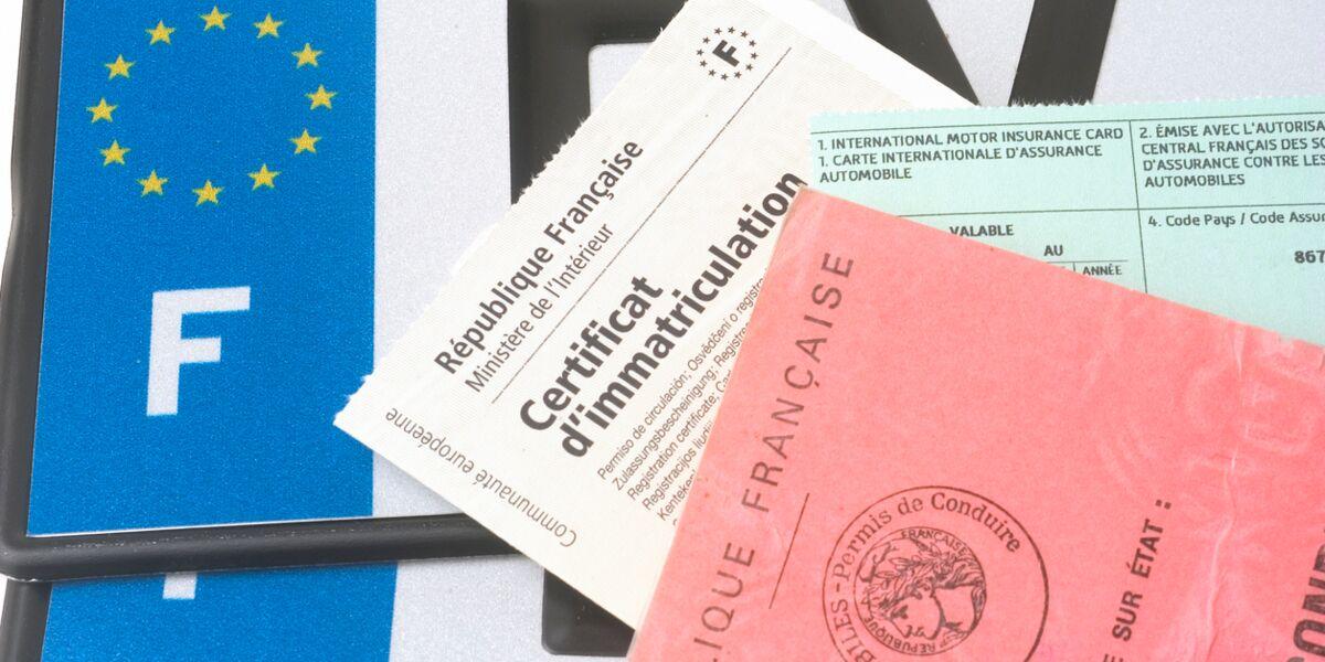 Certificat D Immatriculation Tout Ce Qu Il Faut Savoir Sur La Carte Grise Femme Actuelle Le Mag