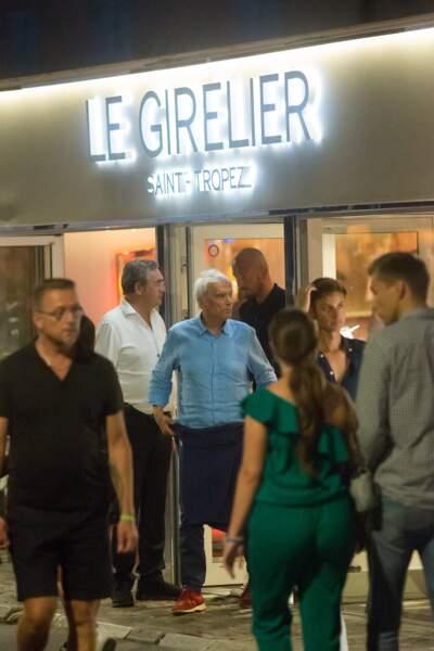 """Bernard Tapie, sa femme Dominique et leurs amis se sont rendus au restaurant """"Le Girelier""""..."""