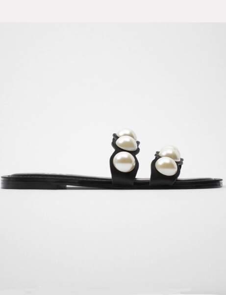 Mules tendance : plates avec des perles