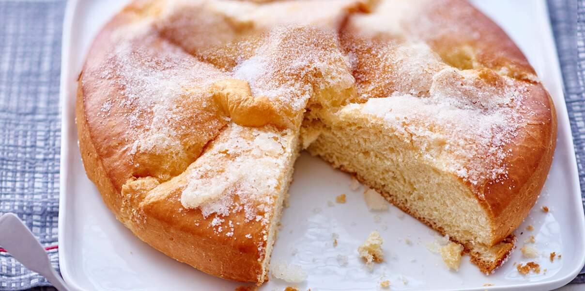 Brioche au sucre et figues en compote