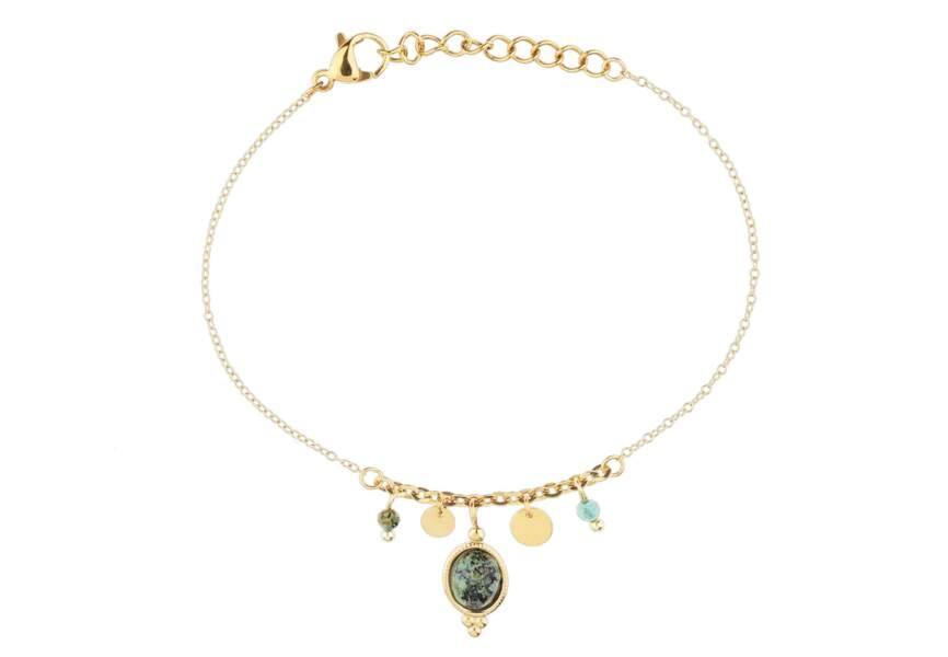 Bijou doré d'été : le bracelet orné de pierres