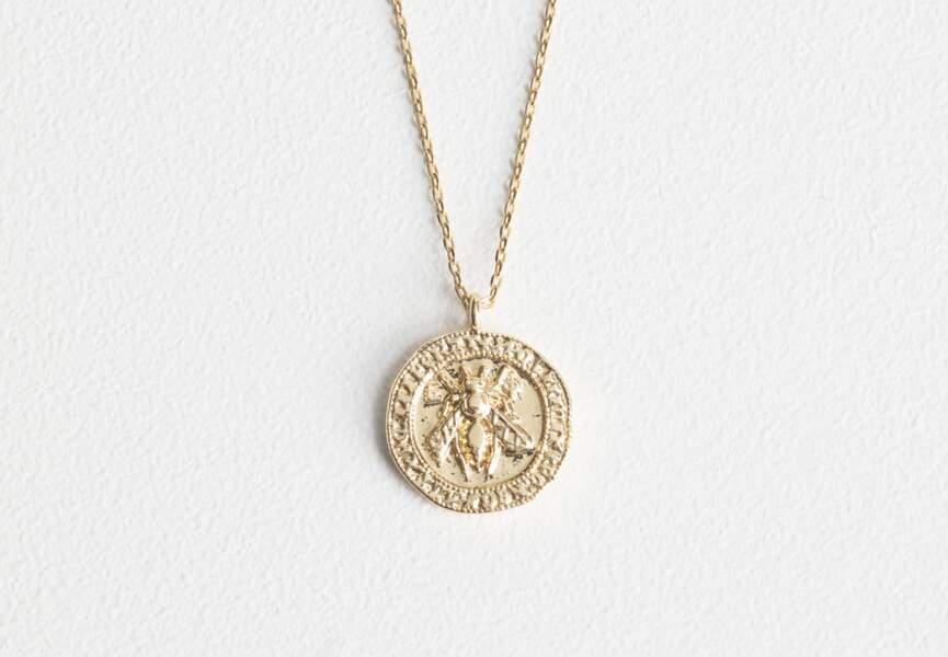 Bijou doré d'été : la chaîne à médaille