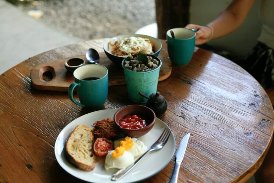 Prendre un petit-déjeuner anglais