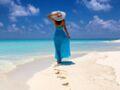 10 robes de plage canons à shopper en soldes (et nos conseils pour rester stylée)