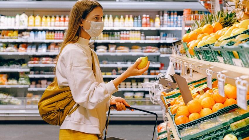 Covid-19 : la méthode simple et efficace d'un médecin pour lutter contre la contamination par les aliments