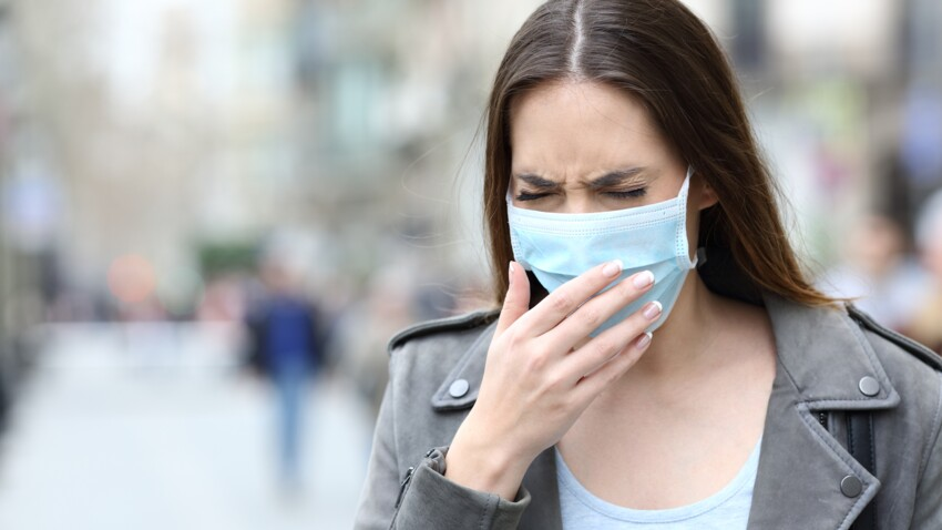 """Reprise de l'épidémie de Covid-19 : un infectiologue redoute un """"feu d'artifice"""" à la rentrée"""