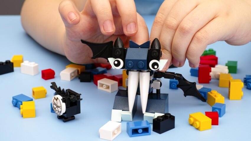 Un petit garçon expulse un Lego coincé dans son nez… depuis deux ans
