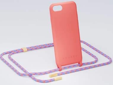 Cordon de téléphone : 10 modèles stylés pour adopter l'accessoire tendance