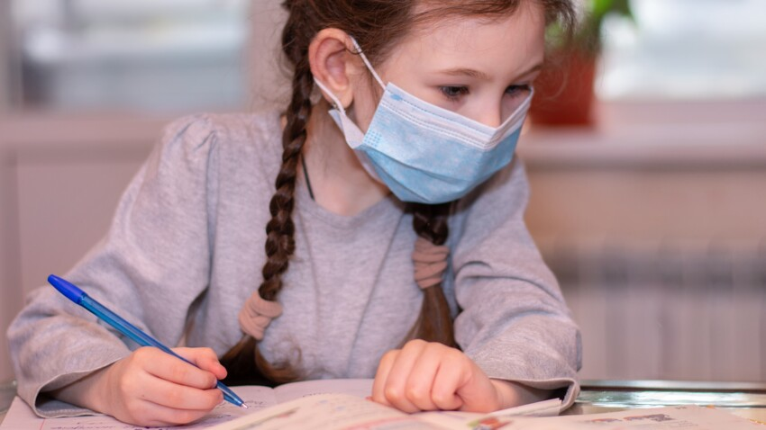 Covid-19 : quel est le rôle des écoles dans la transmission du virus ? Un rapport fait le point