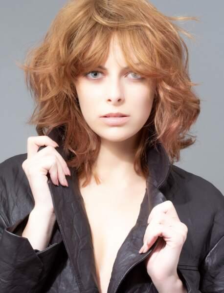 Coupe cheveux tendance automne/hiver : un carré court dégradé avec frange rideau
