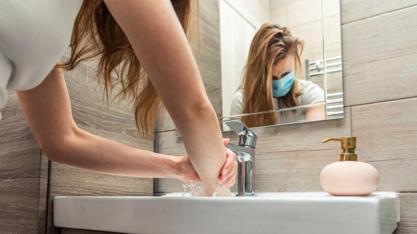 Covid-19 : il est conseillé de garder son masque dans les toilettes publiques, voici pourquoi