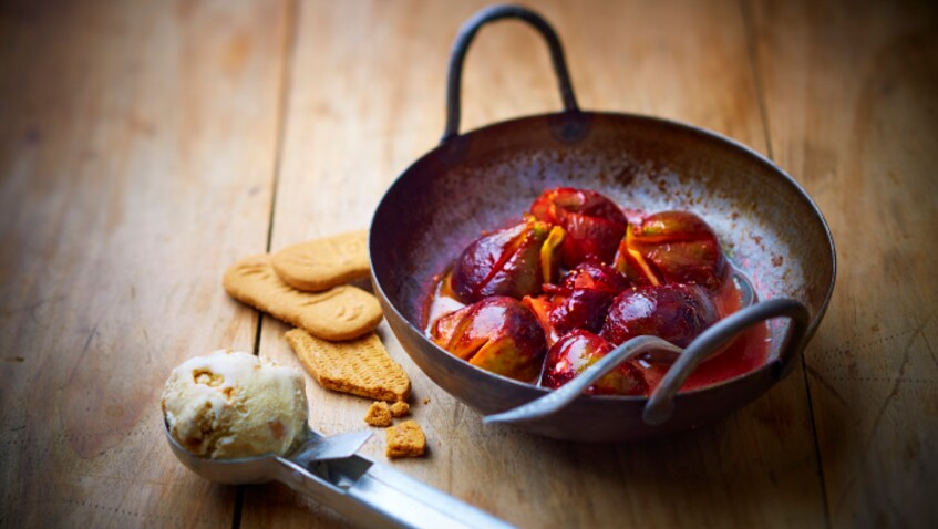 Tous en cuisine : la recette des figues rôties, glace aux Spéculoos de Cyril Lignac