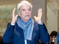 """Bernard Tapie, """"dans un état végétatif"""", au plus mal dans sa bataille contre le cancer"""
