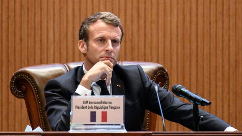 """Emmanuel Macron évoque un """"reconfinement total"""""""