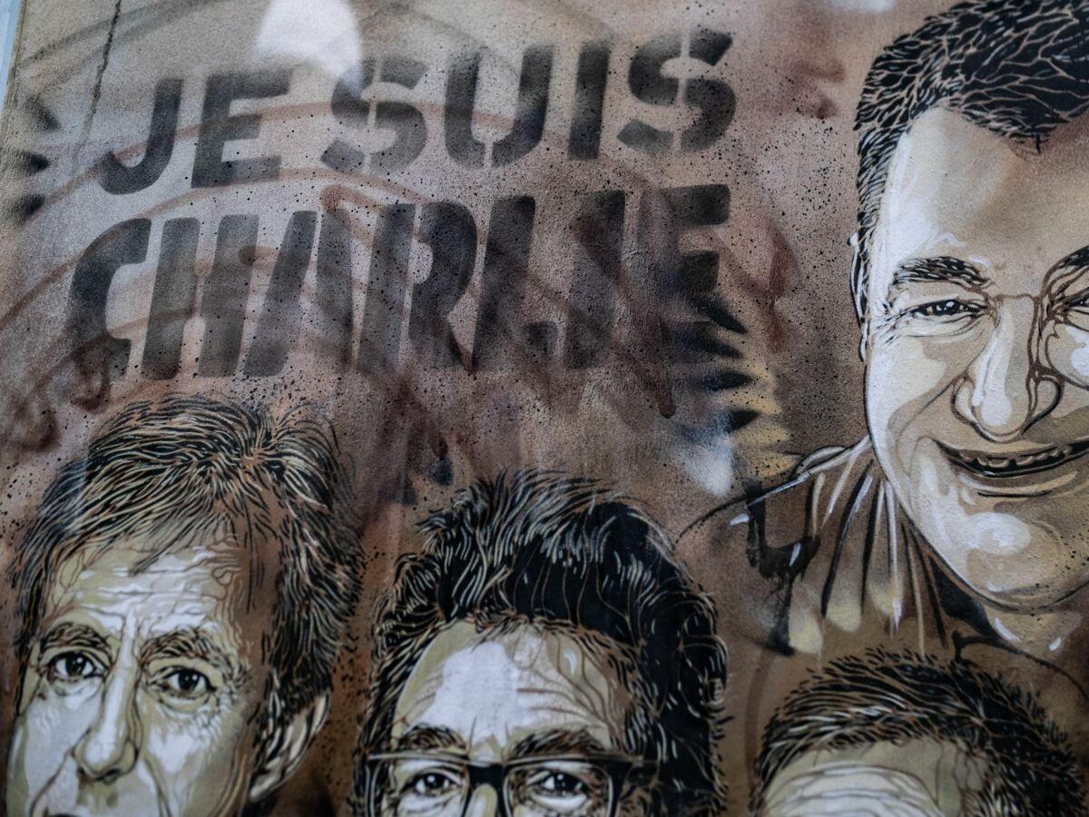 Charlie Hebdo Pourquoi Le Journal Republie Le Dessin De Mahomet Femme Actuelle Le Mag