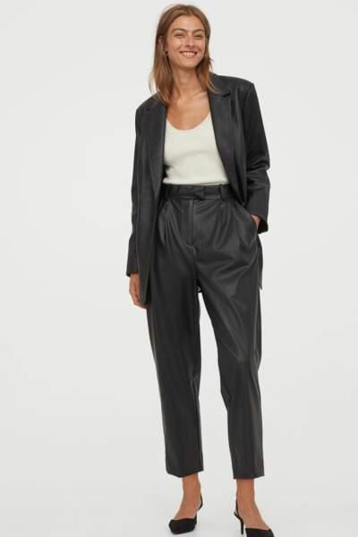 Les pantalons tendance de la rentrée automne-hiver 2020-2021 : le pantalon en cuir