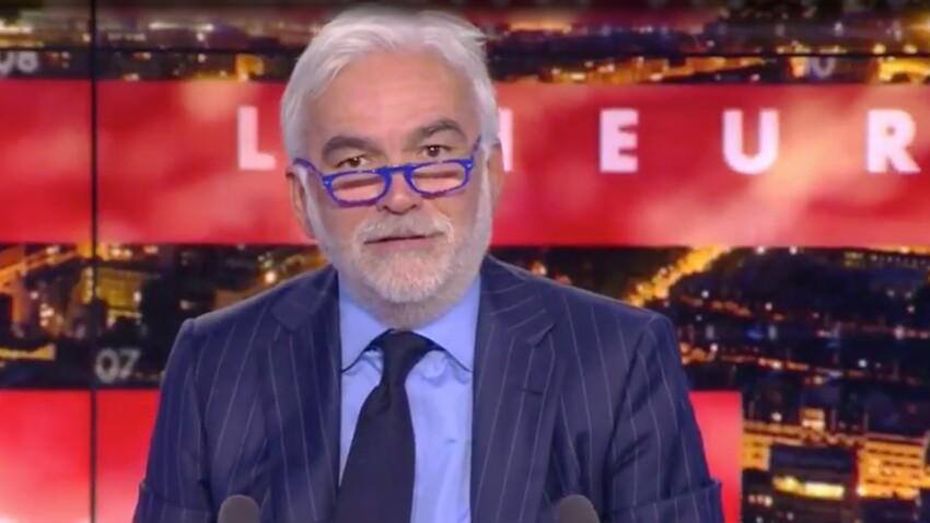 """Emmanuel Macron moqué par Pascal Praud : """"C'est tout ce qu'il ne faut pas faire !"""""""