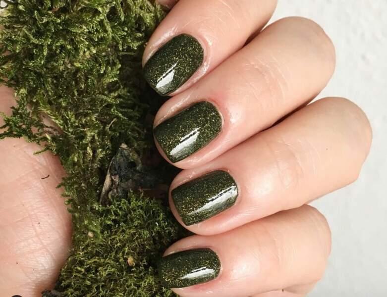 Un vert mousse à paillettes