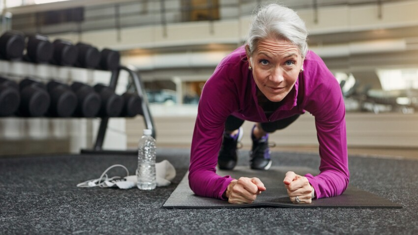 Gainage : 5 exercices gagnants à pratiquer après 50 ans