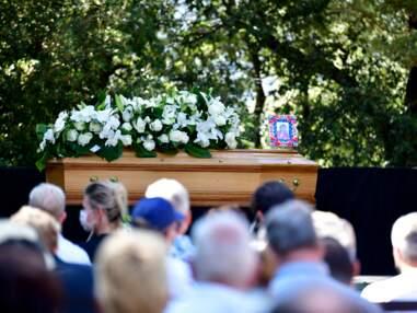 Obsèques d'Annie Cordy : l'émotion de Michèle Torr, Dave et Virginie Hocq lors de leur ultime hommage