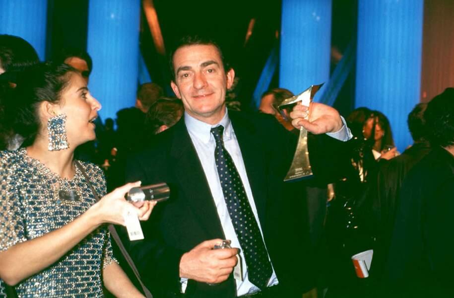 Jean-Pierre Pernaut reçoit son premier 7 d'Or du meilleur présentateur du JT, le 28 janvier 1997.