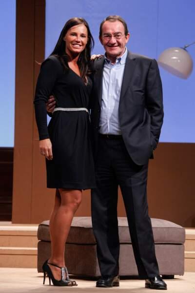 La pièce sera finalement lancée le 17 février 2012 au théâtre du Gymnase à Paris.