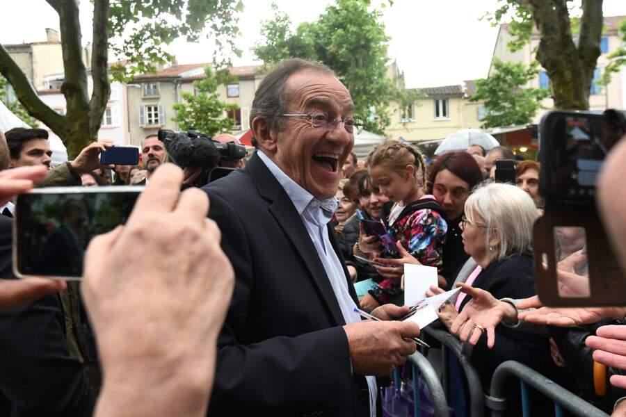 L'occasion pour Jean-Pierre Pernaut de s'octroyer un bain de foule et de voir à quel point sa côté de popularité est toujours au plus haut niveau...