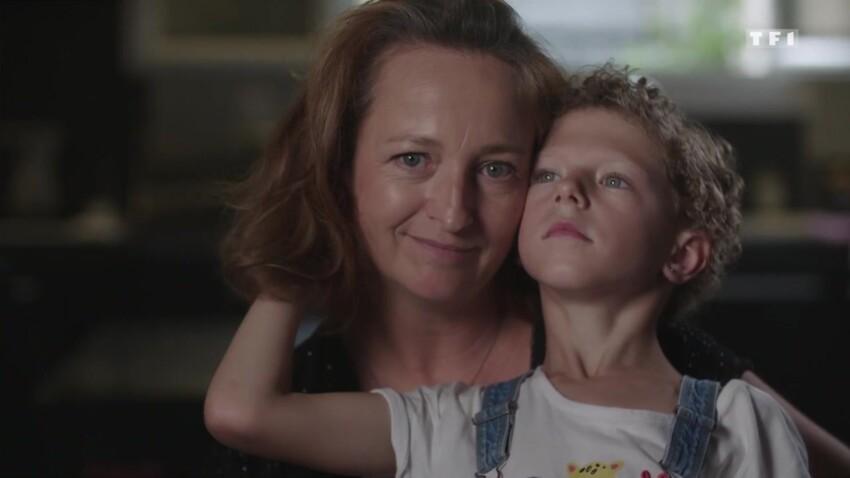 """""""Il y a un deuil à faire"""" : le témoignage fort de Chrystelle, maman de Lilie, transgenre à 8 ans"""