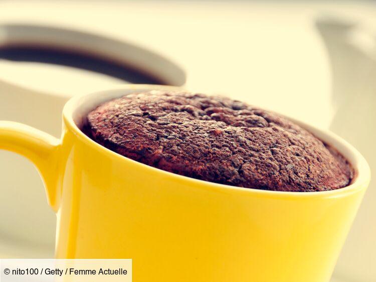 Cyril Lignac : ses conseils pour réussir un gâteau au chocolat au micro-ondes