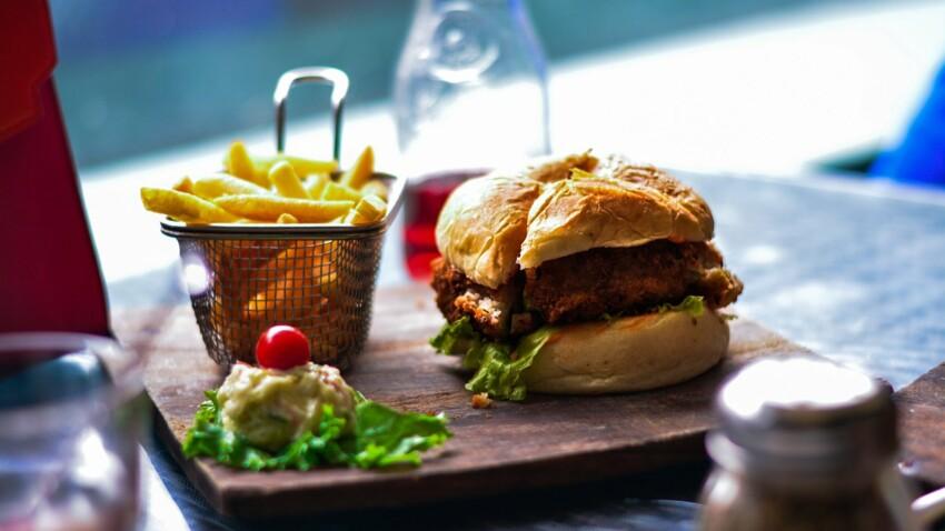 L'astuce de Cyril Lignac pour réussir son burger