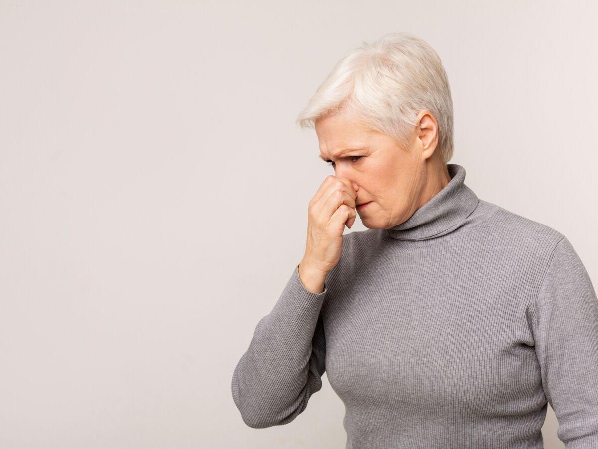 """Fantosmie : sentir des odeurs """"fantôme"""", nouveau symptôme du Covid-19 ? : Femme Actuelle Le MAG"""