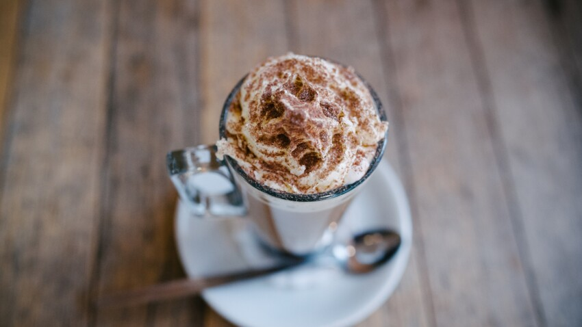 Hot Chocolate Bomb : la recette de chocolat chaud qui fait fondre les réseaux sociaux